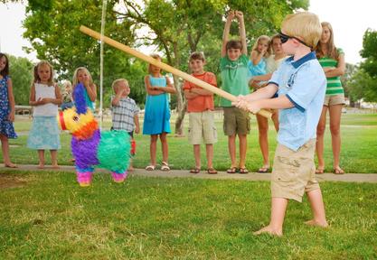 Idées de jeux d'extérieur pour enfants | Réussir sa fête !